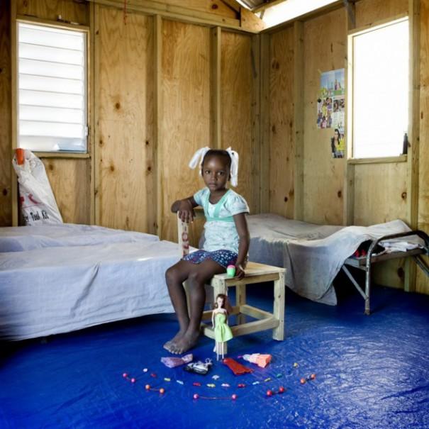 Παιδιά από 26 χώρες φωτογραφίζονται με τα αγαπημένα τους παιχνίδια (9)
