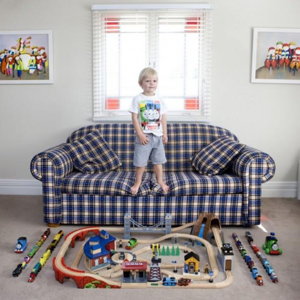 Παιδιά από 26 χώρες φωτογραφίζονται με τα αγαπημένα τους παιχνίδια (12)