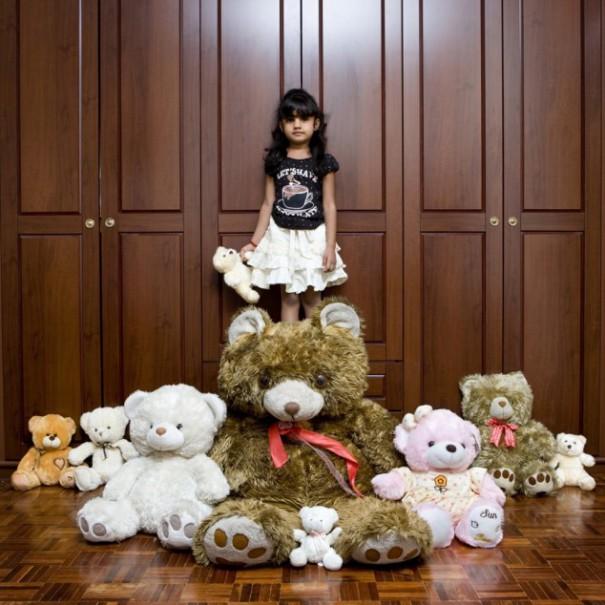 Παιδιά από 26 χώρες φωτογραφίζονται με τα αγαπημένα τους παιχνίδια (23)