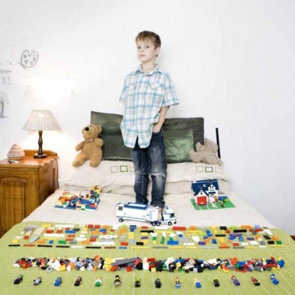 Παιδιά από 26 χώρες φωτογραφίζονται με τα αγαπημένα τους παιχνίδια (24)