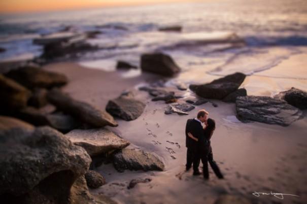 Τεράστιο κύμα διακόπτει ρομαντική πρόταση γάμου