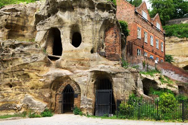 Εντυπωσιακά υπόγεια σπίτια (4)