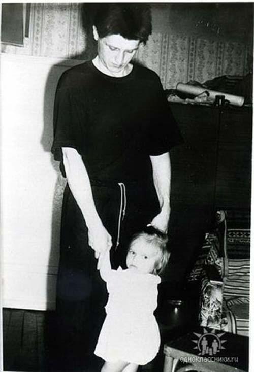 Η εξέλιξη πατέρα και κόρης μέσα σε 2 δεκαετίες (1)