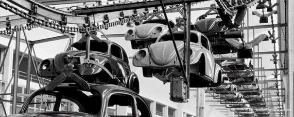 Φωτογραφίες του 1953 από ένα εργοστάσιο της Volkswagen (1)