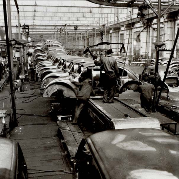 Φωτογραφίες του 1953 από ένα εργοστάσιο της Volkswagen (2)