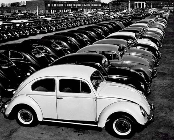 Φωτογραφίες του 1953 από ένα εργοστάσιο της Volkswagen (6)