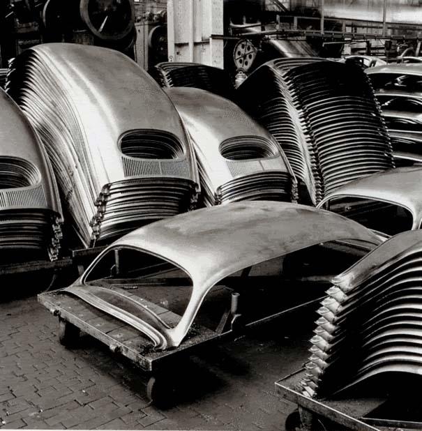 Φωτογραφίες του 1953 από ένα εργοστάσιο της Volkswagen (10)