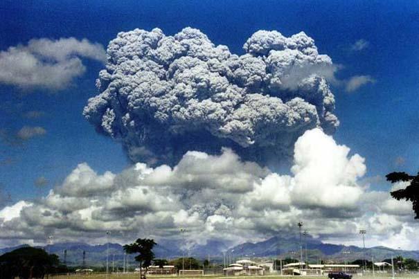 Φωτογραφίες από εκρήξεις ηφαιστείων που προκαλούν δέος (2)