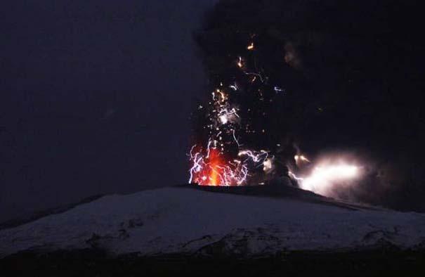 Φωτογραφίες από εκρήξεις ηφαιστείων που προκαλούν δέος (6)