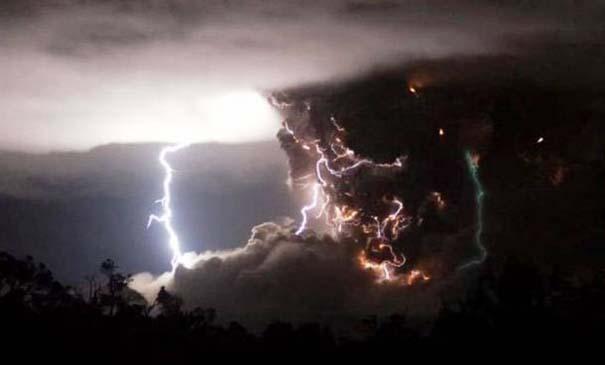 Φωτογραφίες από εκρήξεις ηφαιστείων που προκαλούν δέος (7)