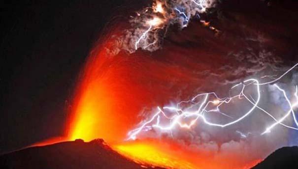 Φωτογραφίες από εκρήξεις ηφαιστείων που προκαλούν δέος (9)