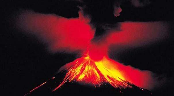 Φωτογραφίες από εκρήξεις ηφαιστείων που προκαλούν δέος (12)