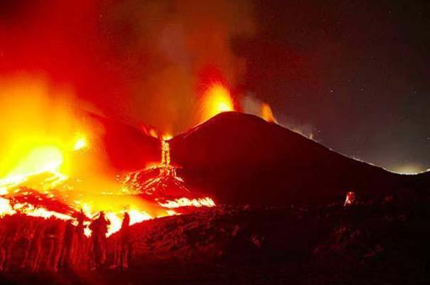 Φωτογραφίες από εκρήξεις ηφαιστείων που προκαλούν δέος (15)