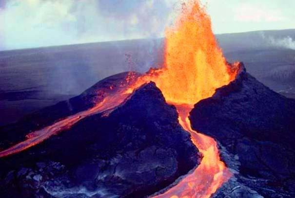 Φωτογραφίες από εκρήξεις ηφαιστείων που προκαλούν δέος (19)
