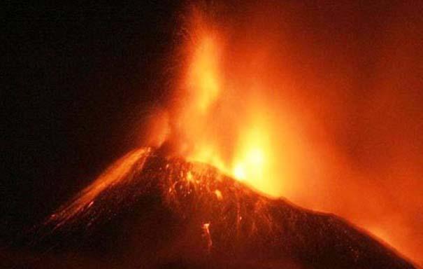 Φωτογραφίες από εκρήξεις ηφαιστείων που προκαλούν δέος (20)