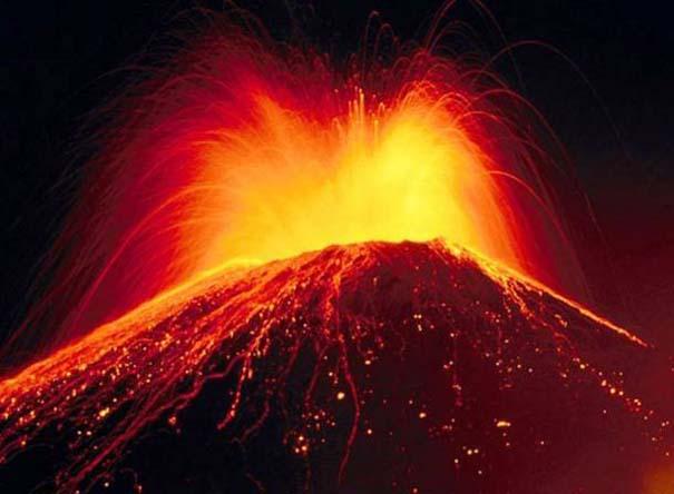 Φωτογραφίες από εκρήξεις ηφαιστείων που προκαλούν δέος (22)