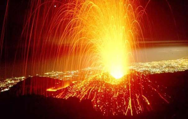 Φωτογραφίες από εκρήξεις ηφαιστείων που προκαλούν δέος (25)