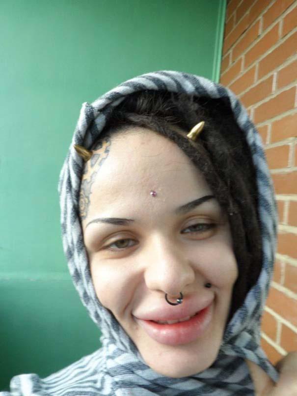Η γυναίκα με τα μεγαλύτερα χείλη στον κόσμο (29)