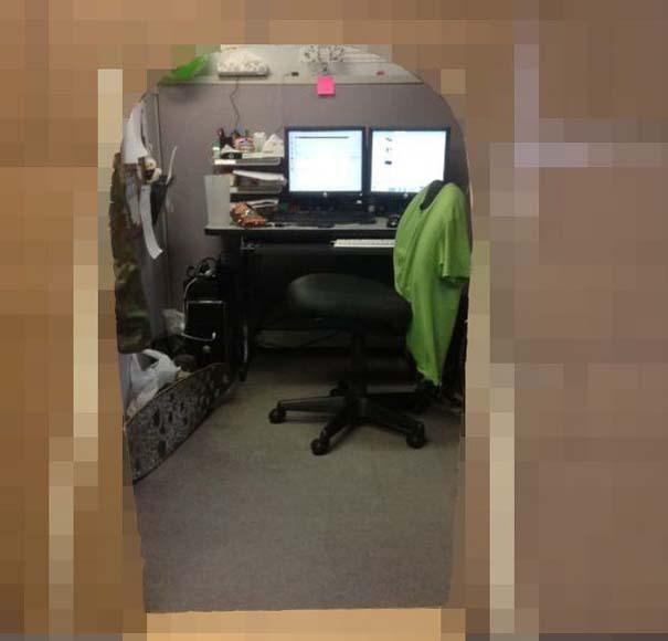 Κάστρο στο γραφείο (1)