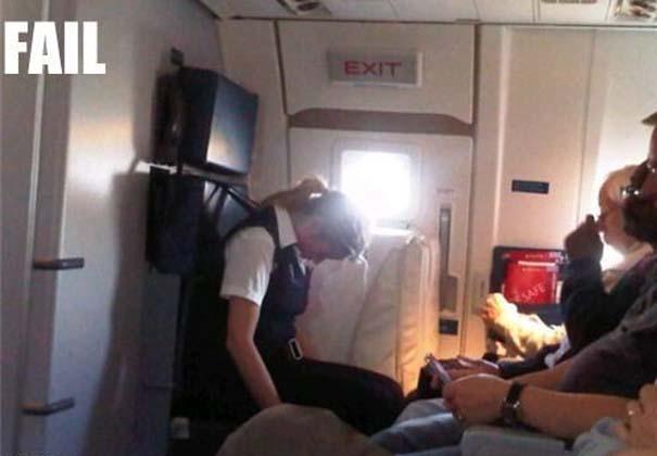 Αστεία & παράξενα περιστατικά στο αεροπλάνο (16)