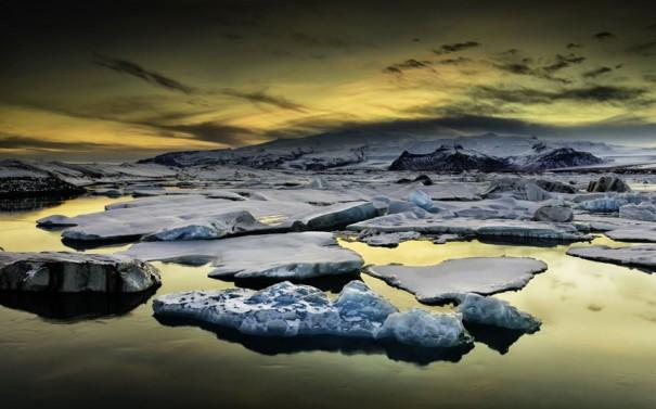 Εξωπραγματικό ηλιοβασίλεμα στην Ισλανδία | Φωτογραφία της ημέρας