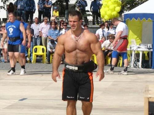 Denis Tsyplenkov: Ένας πραγματικός Hulk (30)