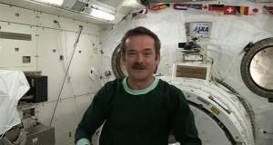 Πως κοιμούνται οι αστροναύτες στο διάστημα (Video)
