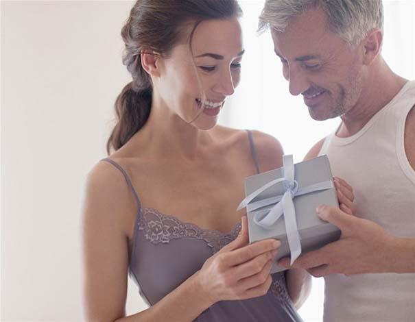 10 σημάδια που δείχνουν πως η σχέση σας σοβαρεύει (9)