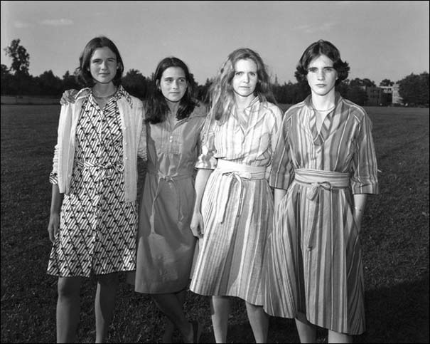 4 αδερφές φωτογραφίζονται μαζί κάθε χρόνο από το 1975 (2)