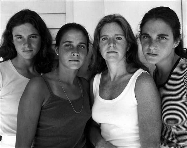 4 αδερφές φωτογραφίζονται μαζί κάθε χρόνο από το 1975 (4)