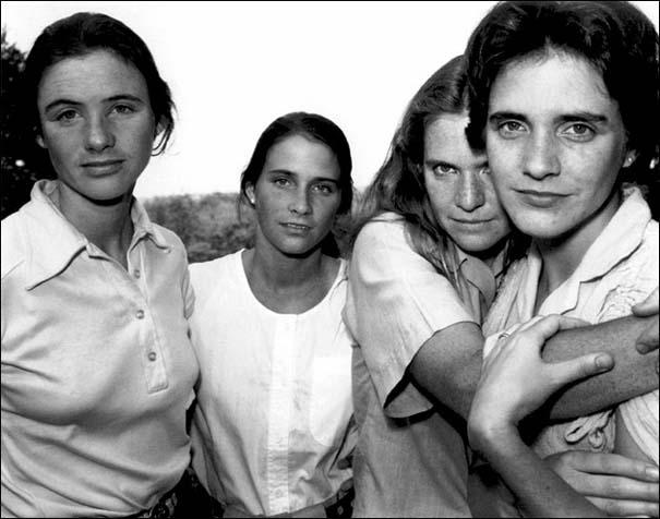 4 αδερφές φωτογραφίζονται μαζί κάθε χρόνο από το 1975 (6)