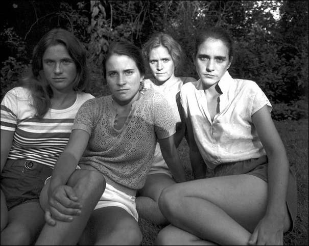 4 αδερφές φωτογραφίζονται μαζί κάθε χρόνο από το 1975 (7)