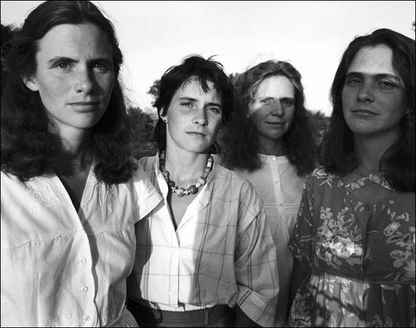 4 αδερφές φωτογραφίζονται μαζί κάθε χρόνο από το 1975 (9)