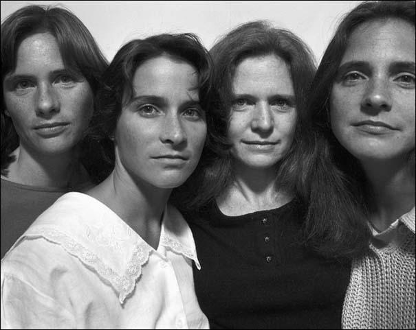 4 αδερφές φωτογραφίζονται μαζί κάθε χρόνο από το 1975 (12)