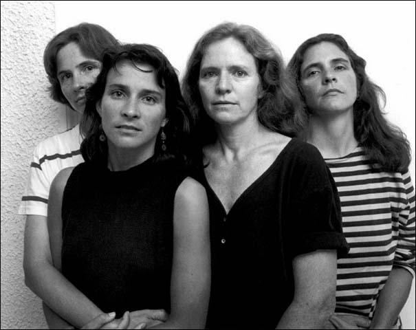 4 αδερφές φωτογραφίζονται μαζί κάθε χρόνο από το 1975 (15)