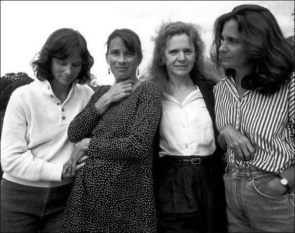 4 αδερφές φωτογραφίζονται μαζί κάθε χρόνο από το 1975 (18)