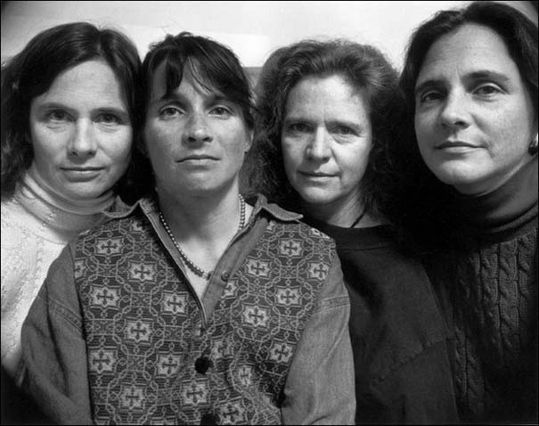 4 αδερφές φωτογραφίζονται μαζί κάθε χρόνο από το 1975 (20)