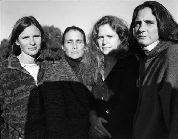 4 αδερφές φωτογραφίζονται μαζί κάθε χρόνο από το 1975 (22)