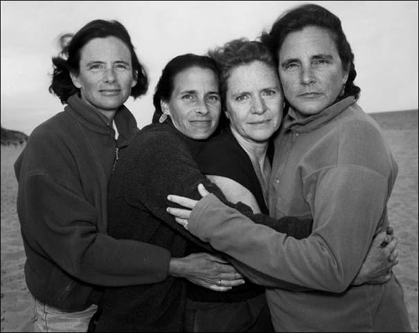 4 αδερφές φωτογραφίζονται μαζί κάθε χρόνο από το 1975 (26)