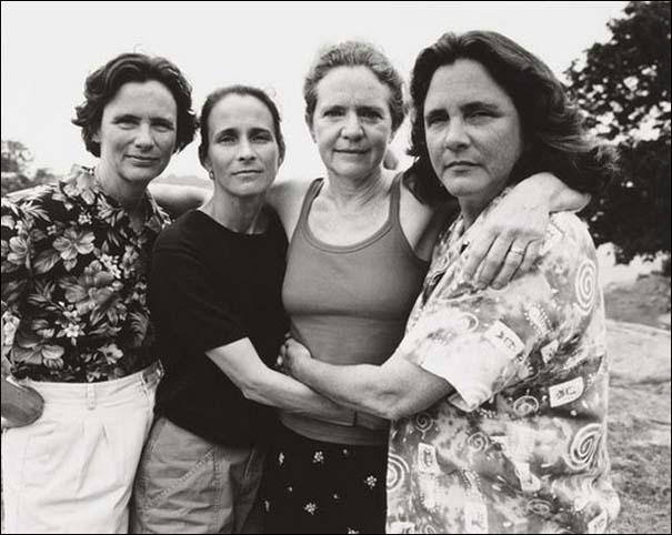 4 αδερφές φωτογραφίζονται μαζί κάθε χρόνο από το 1975 (28)