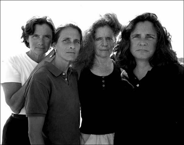 4 αδερφές φωτογραφίζονται μαζί κάθε χρόνο από το 1975 (29)