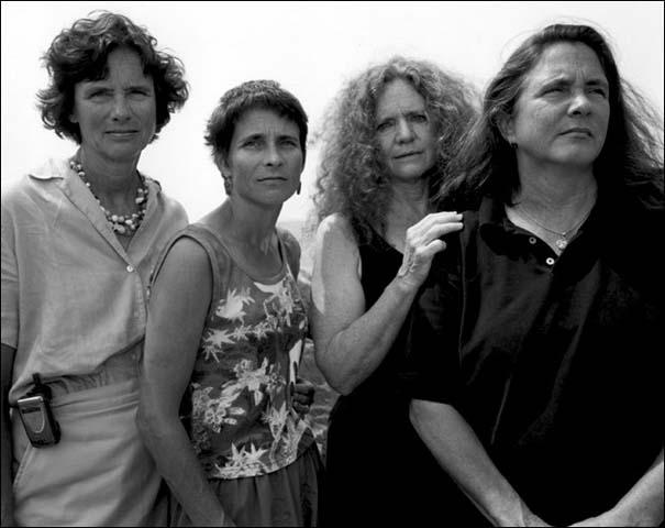 4 αδερφές φωτογραφίζονται μαζί κάθε χρόνο από το 1975 (30)