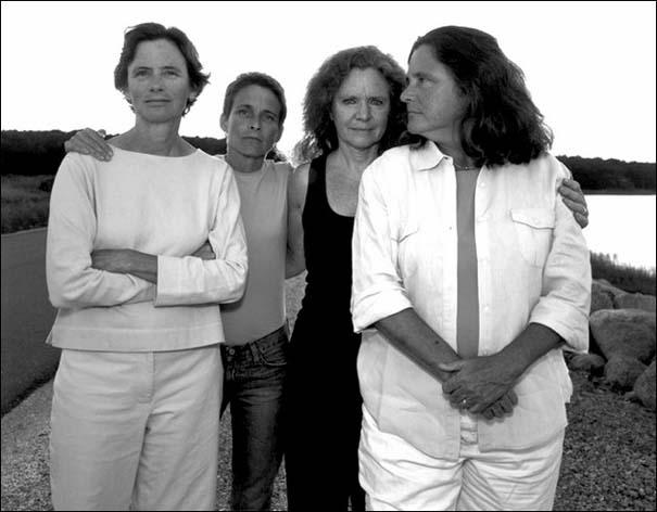 4 αδερφές φωτογραφίζονται μαζί κάθε χρόνο από το 1975 (31)