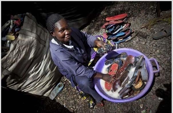 Ανακύκλωση παλιών παπουτσιών στην Αφρική (2)