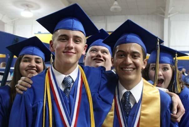 Αστείες φωτογραφίες αποφοίτησης (1)