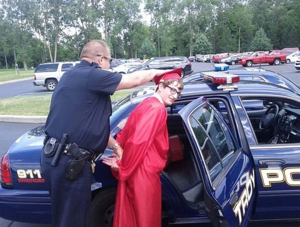 Αστείες φωτογραφίες αποφοίτησης (2)