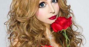 Γιαπωνέζα έκανε 30 πλαστικές για να μεταμορφωθεί σε ζωντανή κούκλα