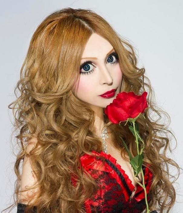 Γιαπωνέζα έκανε πλαστικές για να μεταμορφωθεί σε ζωντανή κούκλα (1)