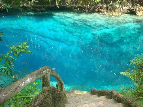 Μαγευτικό ποτάμι με κρυστάλλινα νερά (1)