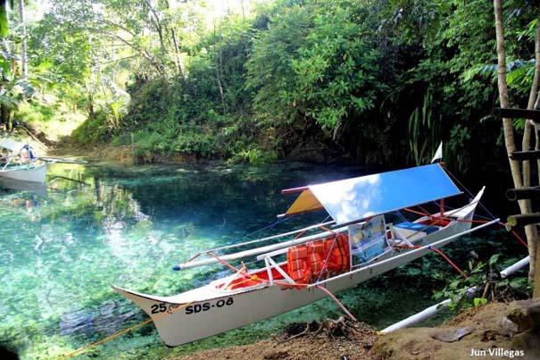 Μαγευτικό ποτάμι με κρυστάλλινα νερά (2)